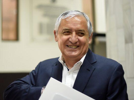 Expresidente guatemalteco Pérez fuera de un caso de corrupción