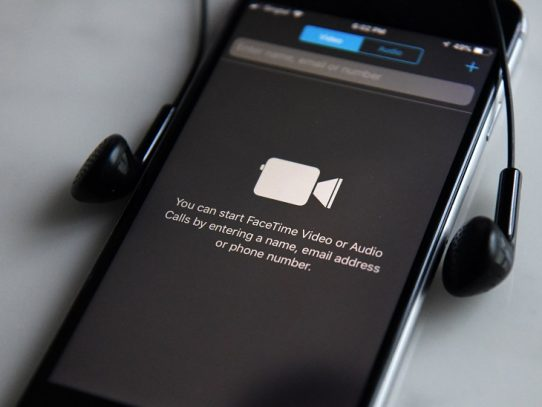 Apple TV+ y un iPhone de menor precio, la estrategia de Apple