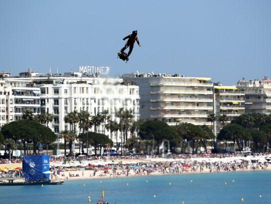 """El """"hombre volador"""", intentará de nuevo atravesar el Canal de la Mancha"""