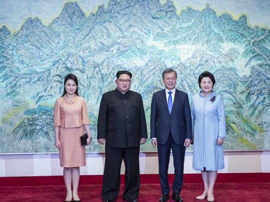 Corea del Norte, indignada por caricaturas de la esposa de Kim Jong Un