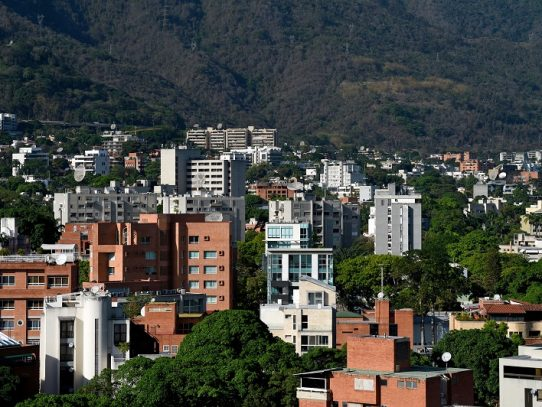 "Venezuela deporta a 59 colombianos acusados de ""terrorismo"", según ONG"