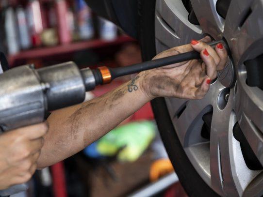 Inadeh brindará curso de Mantenimiento Preventivo del Automóvil para mujeres