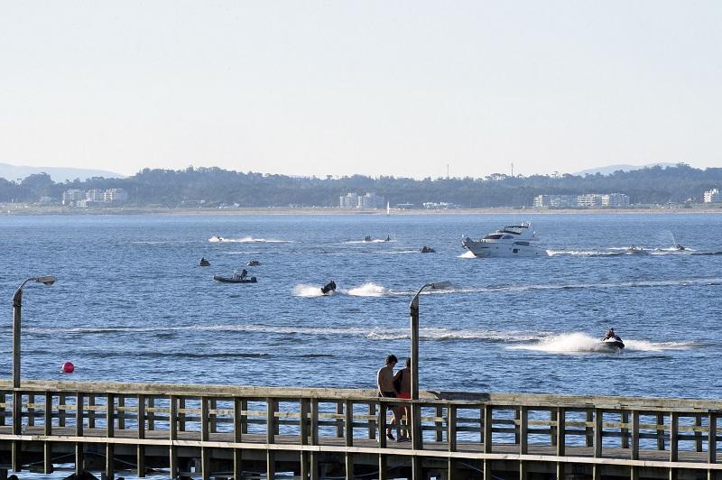 Uruguay apuesta al turismo interno en un verano restringido por la pandemia