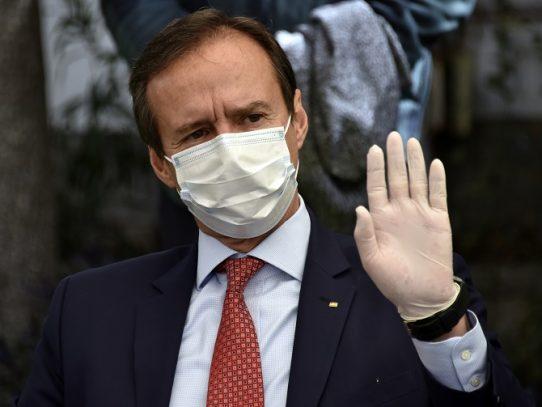 Expresidente Quiroga retira candidatura en Bolivia para debilitar a partido de Morales