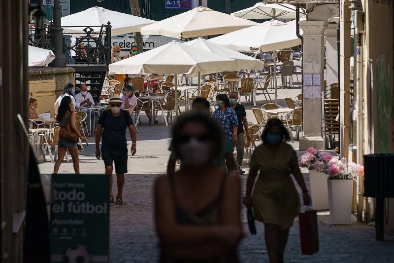 Cuarentena obligatoria en España para viajeros de Brasil, Perú, Colombia y nueve países africanos