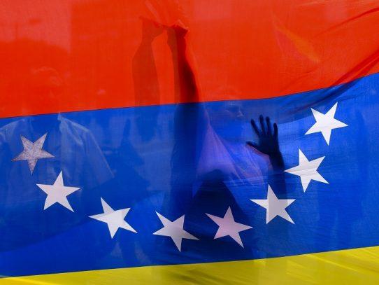 Venezuela denuncia que buque portugués embistió nave de su armada