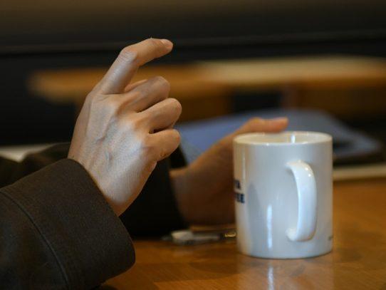 El café, el remedio milagroso contra un trastorno con movimientos incontrolados