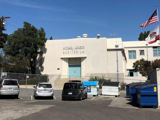 El nombre de Michael Jackson se queda en auditorio escolar de Los Ángeles tras votación