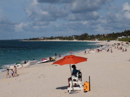 Bahamas prohíbe la entrada a visitantes de EE.UU. y Latinoamérica por el coronavirus