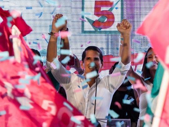 Roux en su cierre de campaña pide el voto para repetir gobierno de Martinelli