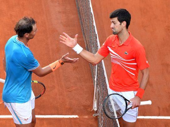 Nadal y Djokovic pelean por el número 1 en el Abierto de Australia