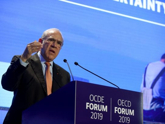 OCDE pide revitalizar crecimiento mundial y evitar una guerra comercial