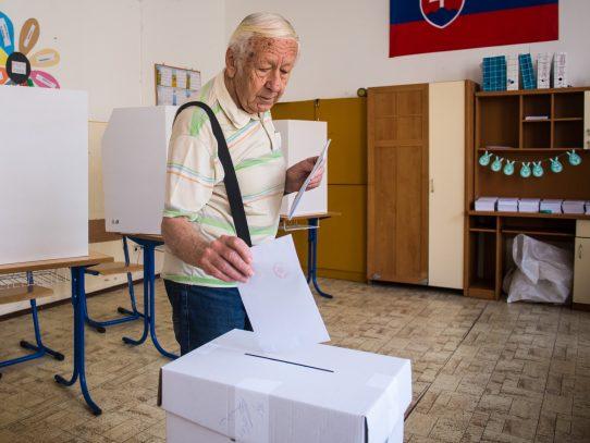 Europa vive fin de semana electoral con atención centrada en partidos antisistema