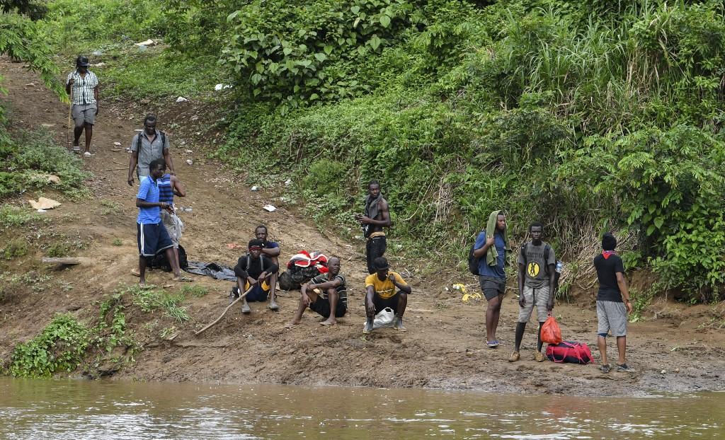Panamá busca llevar a Costa Rica migrantes irregulares varados por la Covid-19