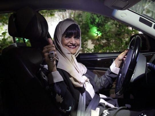 Las mujeres sauditas saborean su libertad tras un año al volante