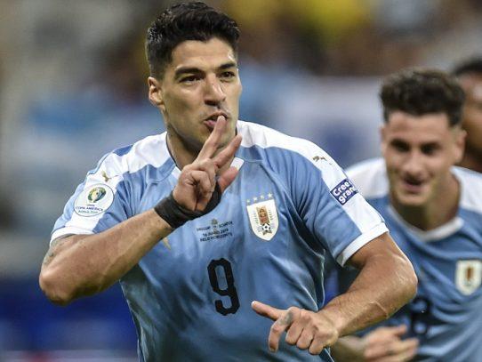 Suárez y Cavani amplían récords con Uruguay y destrozan a Ecuador en Brasil-2019