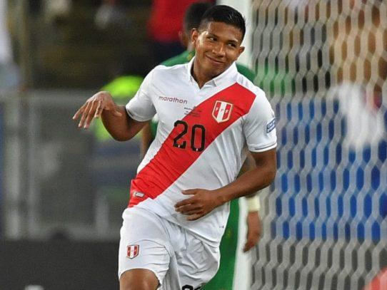 Perú derrota a Bolivia y queda a un paso de cuartos en Copa América