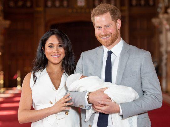 Archie, hijo de Enrique y Meghan, será bautizado en la intimidad el sábado