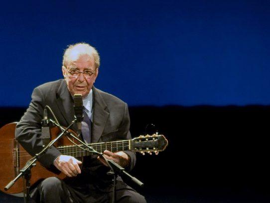"""Brasil rinde homenaje a Joao Gilberto, su """"mejor artista"""""""