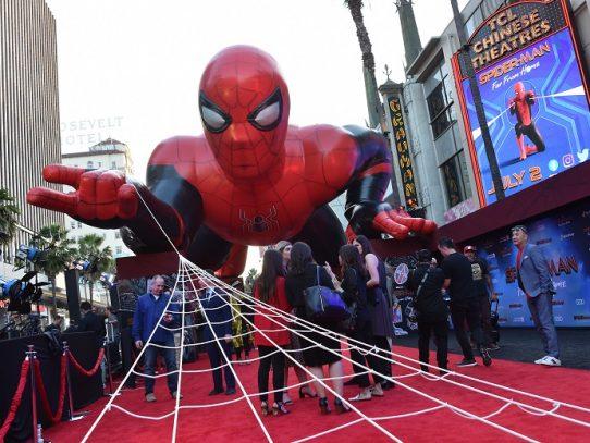 """""""Spider-Man"""" trepa a la punta de la taquilla de EEUU"""