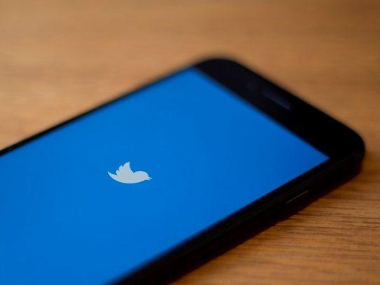 Las redes sociales luchan contra la desinformación, salvo cuando viene de los políticos