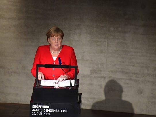 """Los temblores de Merkel, un asunto """"privado"""" para la mayoría de alemanes"""