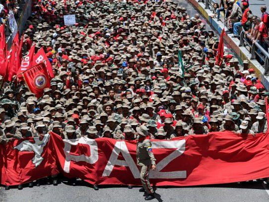 "Seguidores de Maduro se movilizan en rechazo a ""sesgado"" informe de DDHH de Bachelet"