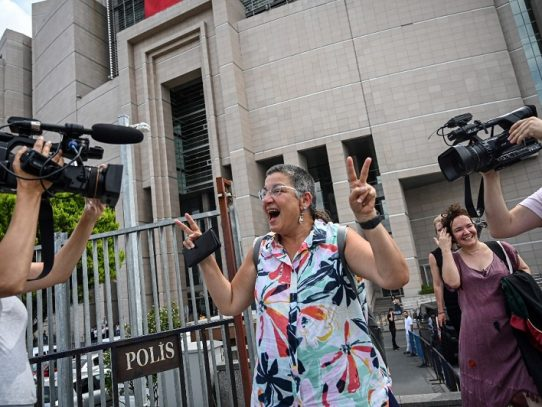 "Tribunal turco absuelve a representante de RSF juzgado por ""propaganda terrorista"""