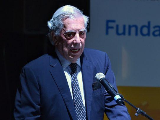 """Vargas Llosa califica de """"vergüenza"""" ingreso de Venezuela al Consejo de DDHH de ONU"""