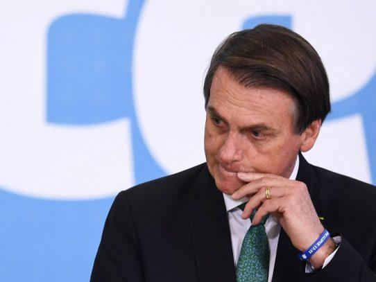 Bolsonaro cancela asistencia a cumbre sobre Amazonía por recomendación médica