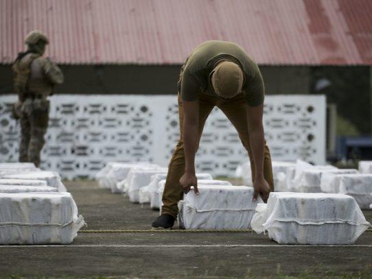 Decomisan más de cuatro toneladas y media de cocaína en el mar Caribe
