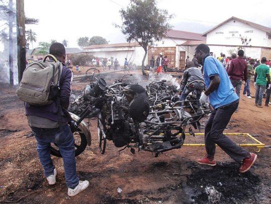 Al menos 64 muertos en la explosión de un camión cisterna en Tanzania