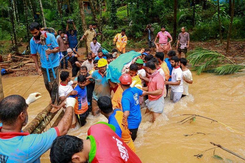 Al menos 244 muertos por el monzón en India, que alerta de nuevas inundaciones