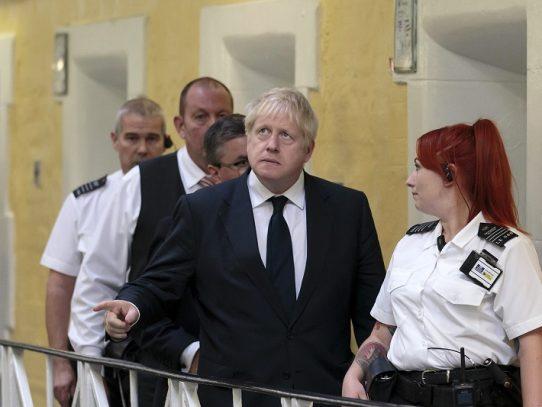 Boris Johnson prepara visita a Berlín y París y redobla su apuesta sobre el Brexit