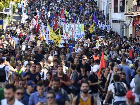 Empieza manifestación contra el G7 en Hendaya