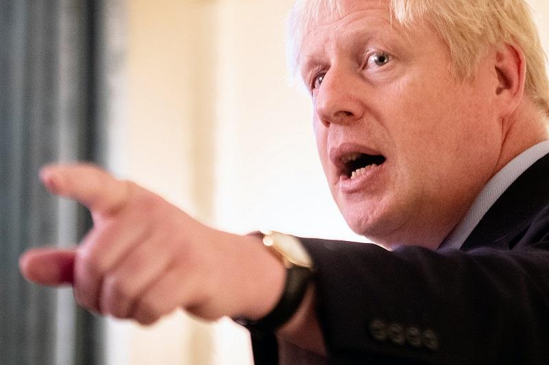 Las cámaras pillan a Boris Johnson en plena mentira y las redes se inflaman