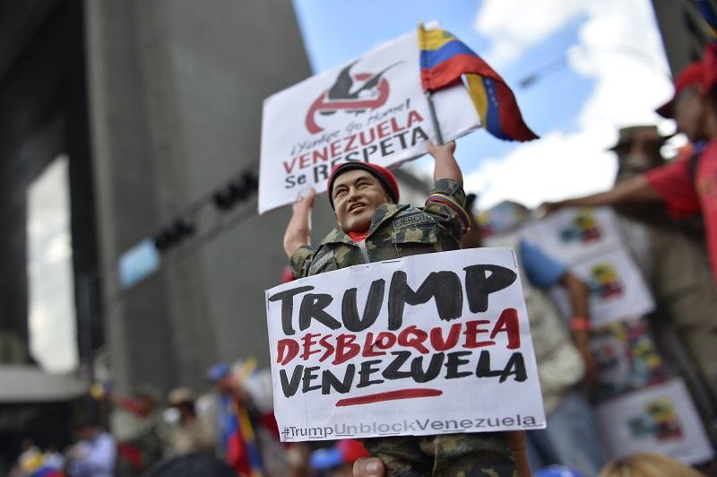 Gobierno de Maduro denunciará ante ONU supuestos nexos de Guaidó con paramilitares