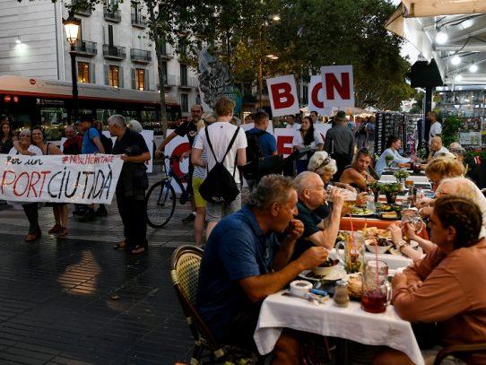 """""""¿Por qué irse?"""" En Barcelona, los turistas se quedan"""