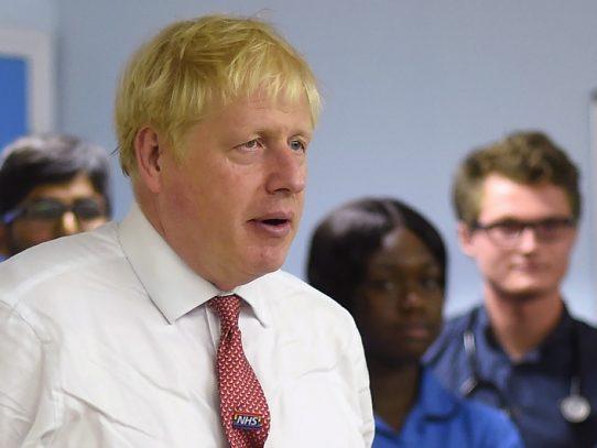 Boris Johnson estima que su negociación del Brexit con la UE fracasará
