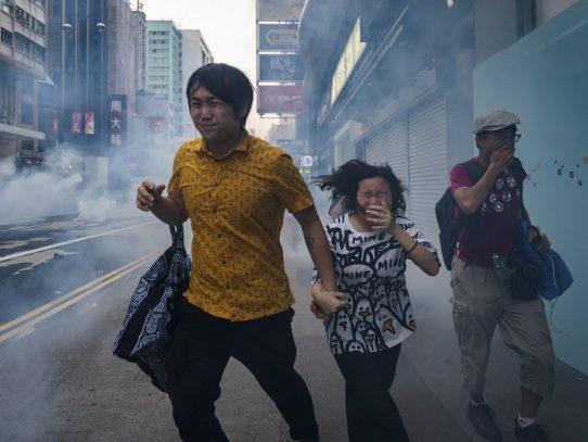 Las 'fake news' amplifican el miedo y la confusión en Hong Kong
