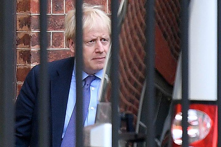 Boris Johnson, infectado por coronavirus, hospitalizado para someterse a exámenes