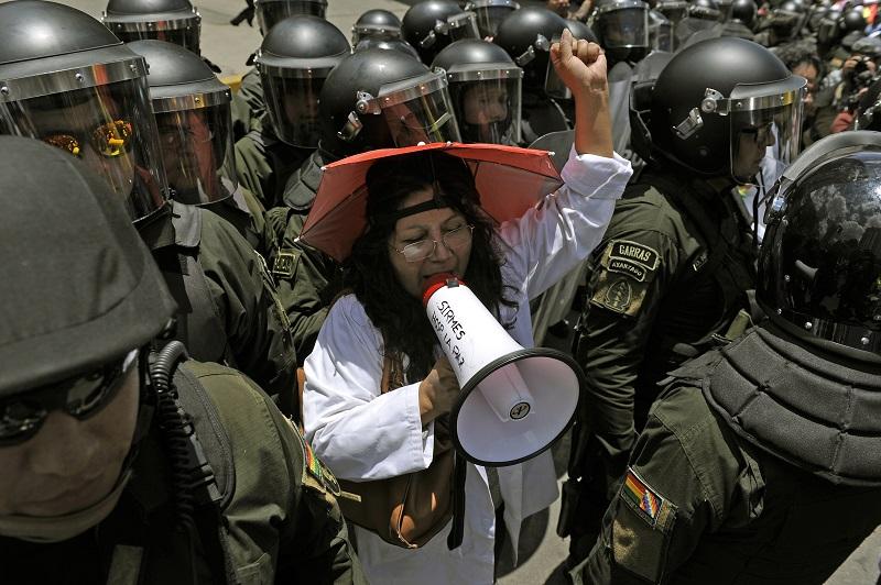 Bolivia inicia huelga general indefinida ante probable triunfo de Morales