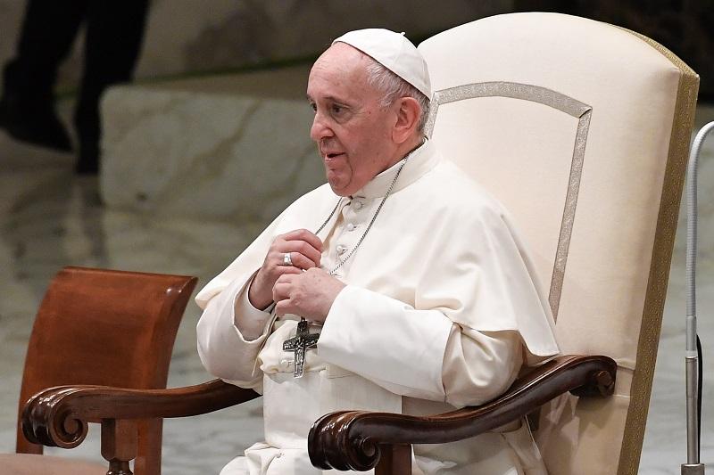 El papa estudia revisar la ley canónica para los abusos sexuales