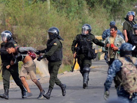 Bolivia cancela decreto que exime a militares de responsabilidad penal por protestas