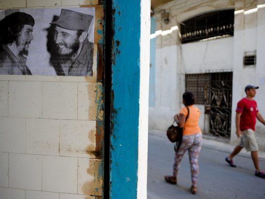 Cuba autoriza vigilancia electrónica sin orden judicial y EEUU reclama