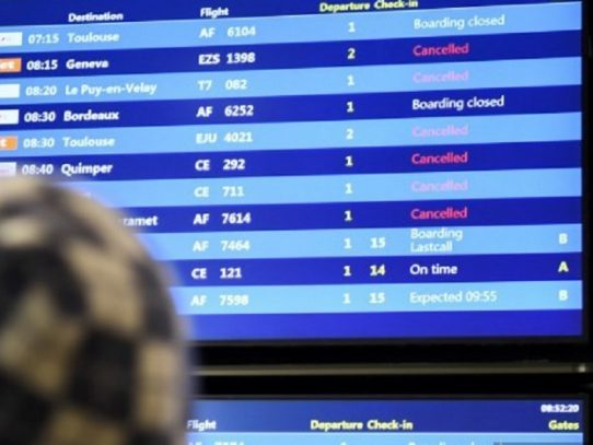 Cierre temporal de uno de los principales aeropuertos de Francia por el coronavirus