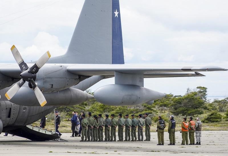Familiares de avión chileno esperan resignadas recuperar los cuerpos de las víctimas