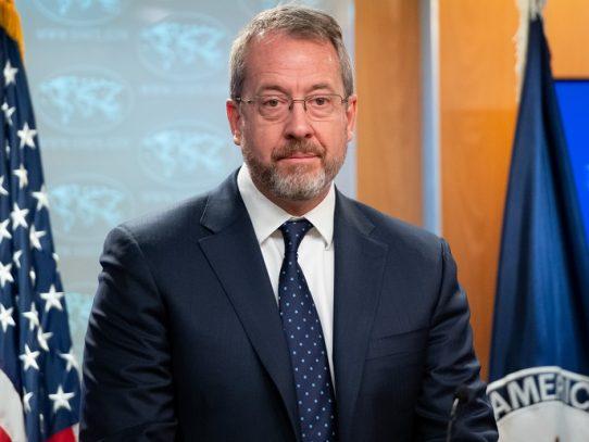 Futuro embajador de EE.UU. para Venezuela pide más sanciones para quienes operan con Maduro