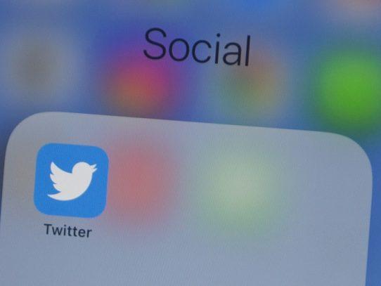 Twitter suspende 70 cuentas de apoyo a Bloomberg por romper las reglas