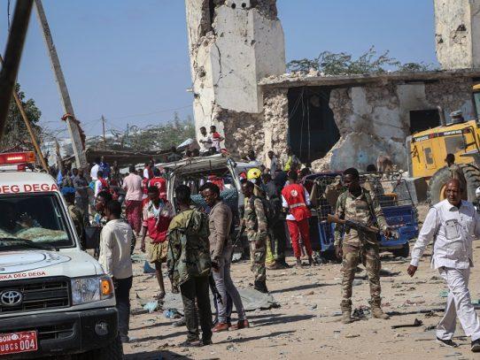 Un atentado deja al menos 76 muertos en la capital de Somalia